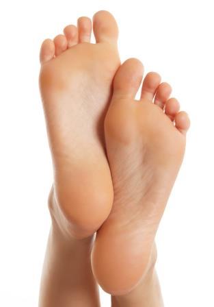 Füße von unten